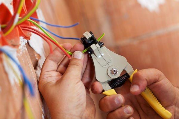 elettricisti-c&b-impianti-teramo-009